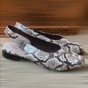 Clarks Collection Snake Skin Taupe Sandals